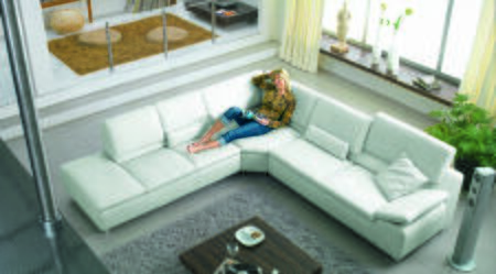 VGEV-SP-2914 Divani Casa Sectional Sofa with Polished Metal Legs and Bonded Leather Upholstery in