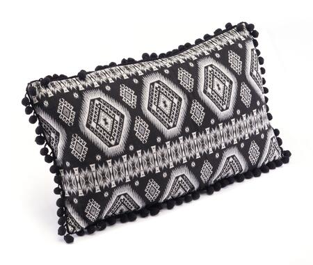 A11097 Tribal Pillow Black &