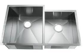 LI-2300-RD Citerna 33 1/2 inch  Double Bowl Undermount Kitchen Sink with Soundproofing System and Mounting Hardware in Stainless