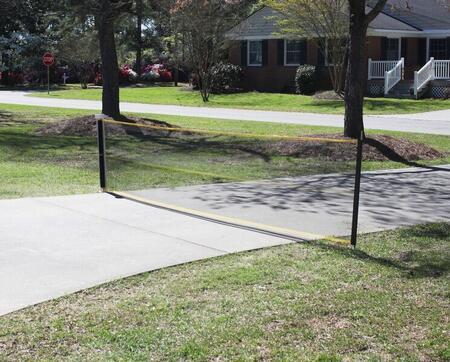 4700 Retractable Retractable 20 ft Driveway Guard