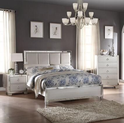 Voeville II Collection 24824CK3SET 3 PC Bedroom Set with California King Size Bed  Chest and Nightstand in Platinum