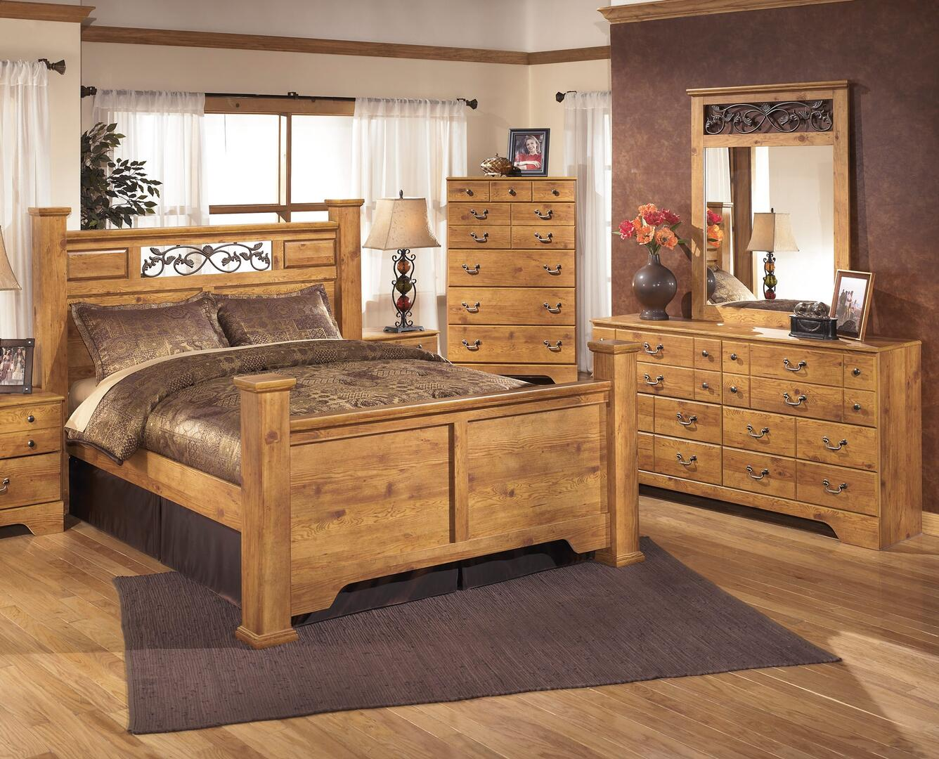 Signature Design by Ashley Bittersweet 4 Piece King Size Bedroom Set