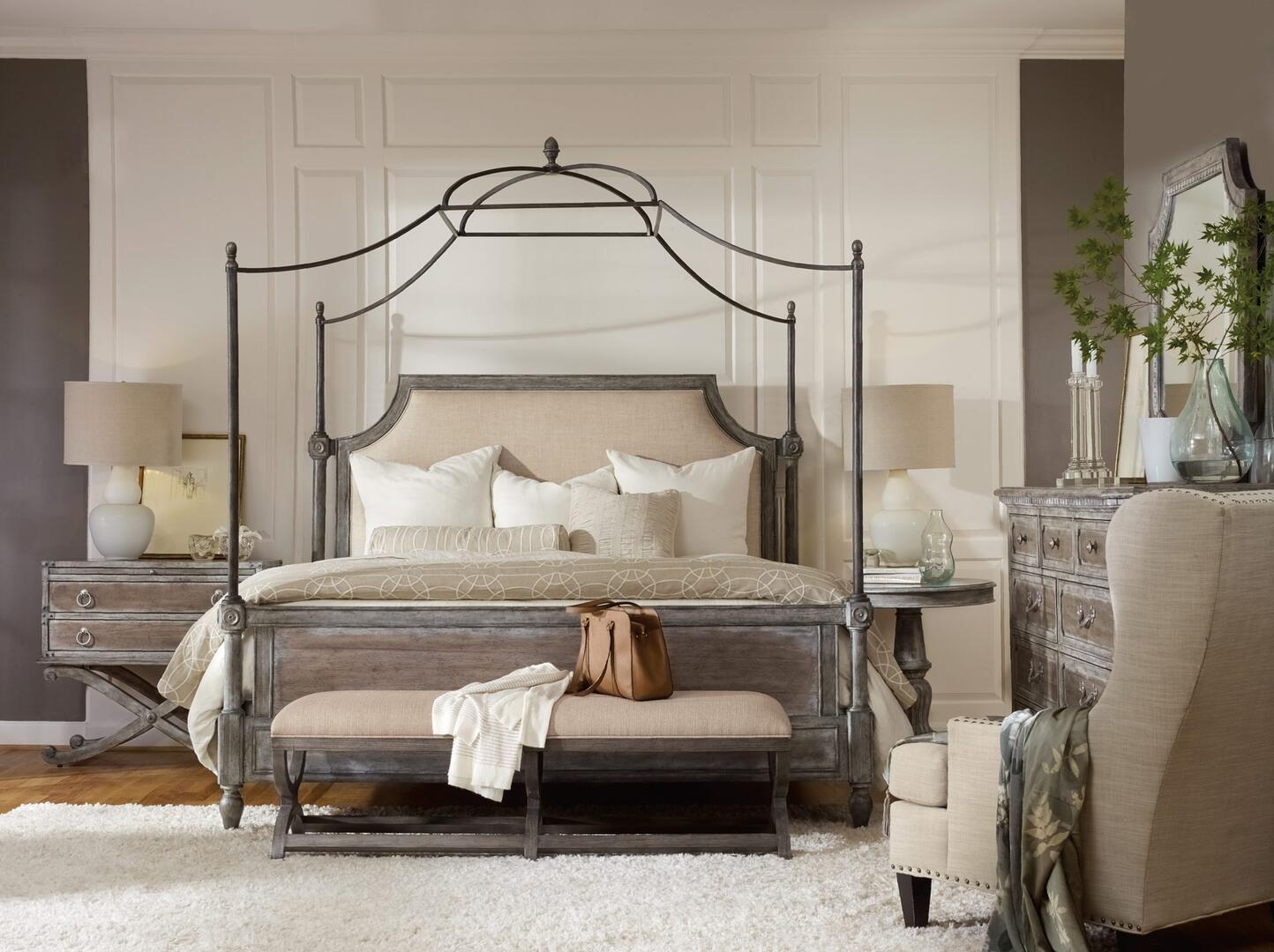 Hooker Furniture True Vintage 5 Piece King Size Bedroom Set