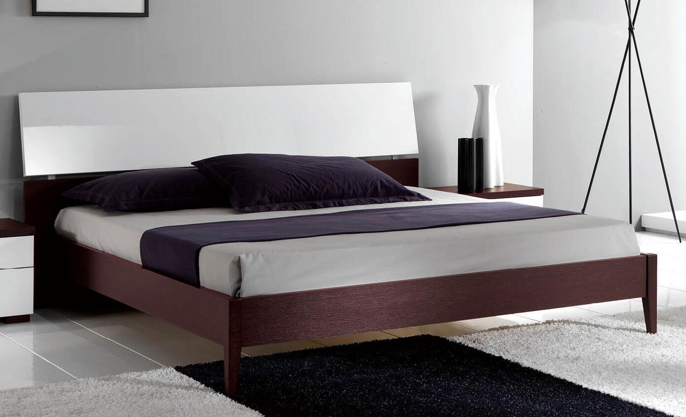 King Size Bed With Wooden Slat