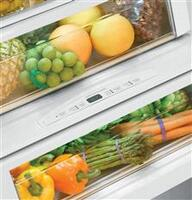 Humidity-Controlled Vegetable Drawer