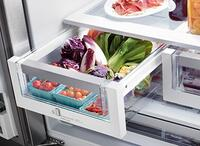 Luxury-Glide Humidity-Controlled Crisper Drawers