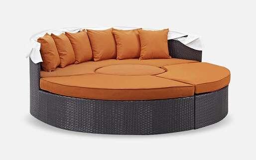Outdoor Beds>