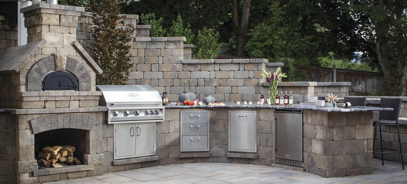 The Best Outdoor Kitchen Finishes and Materials