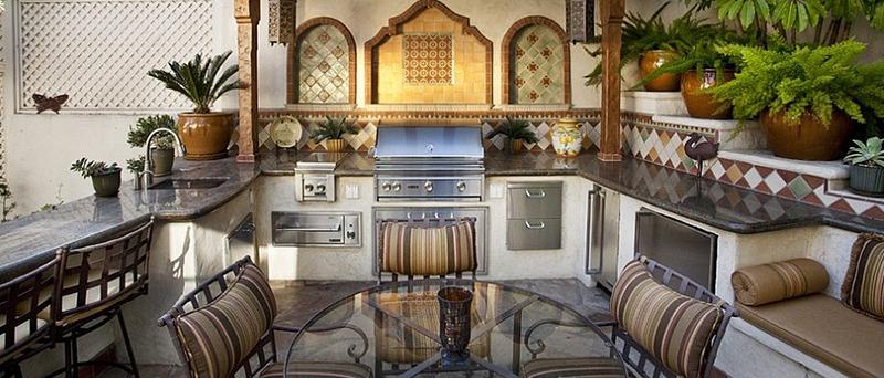 Mediterranean Outdoor Kitchen