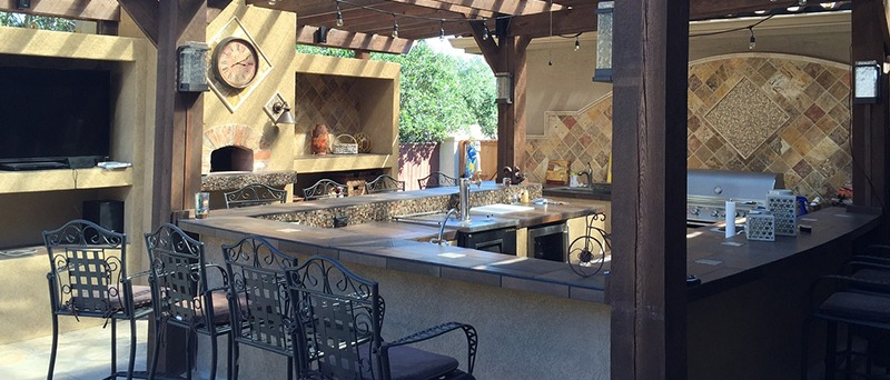 Outdoor Kitchen with Enclosed Grilling Area