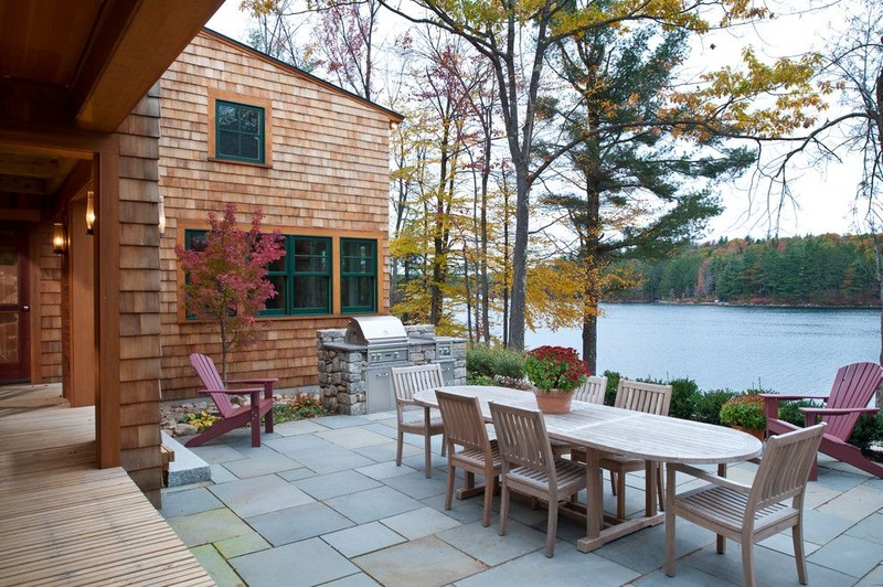 Outdoor lake house