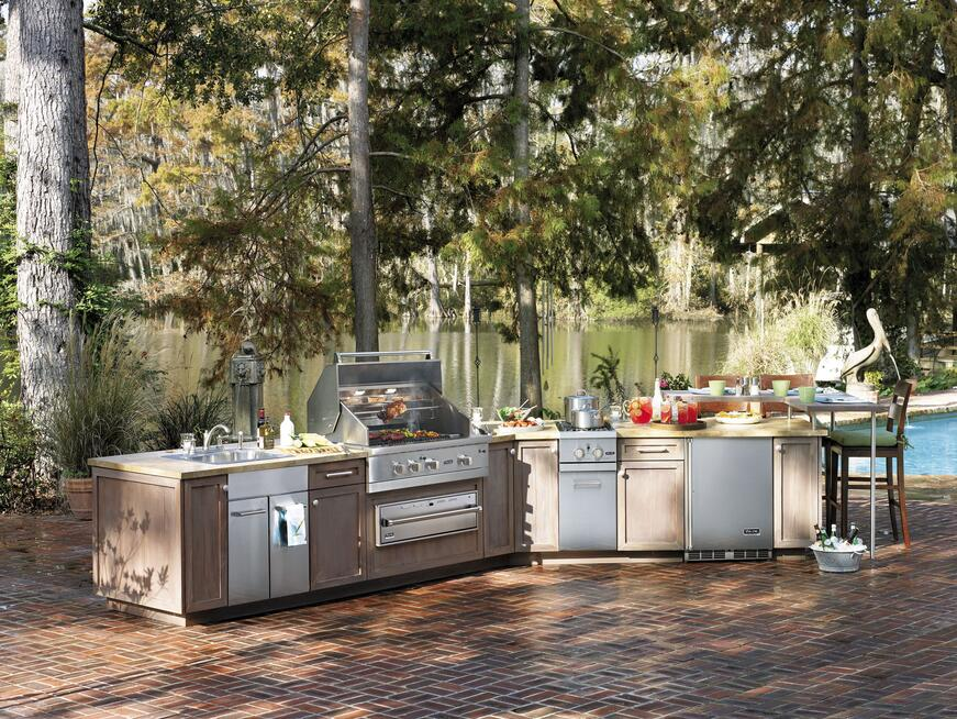 A Brand New Outdoor Appliances from Viking